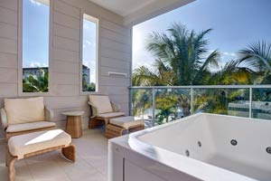 Diamond Club Family Jacuzzi Ocean View Suite